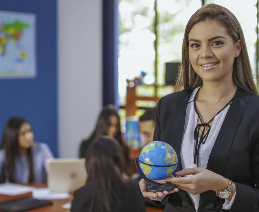 licenciatura relaciones y negocios internacionales